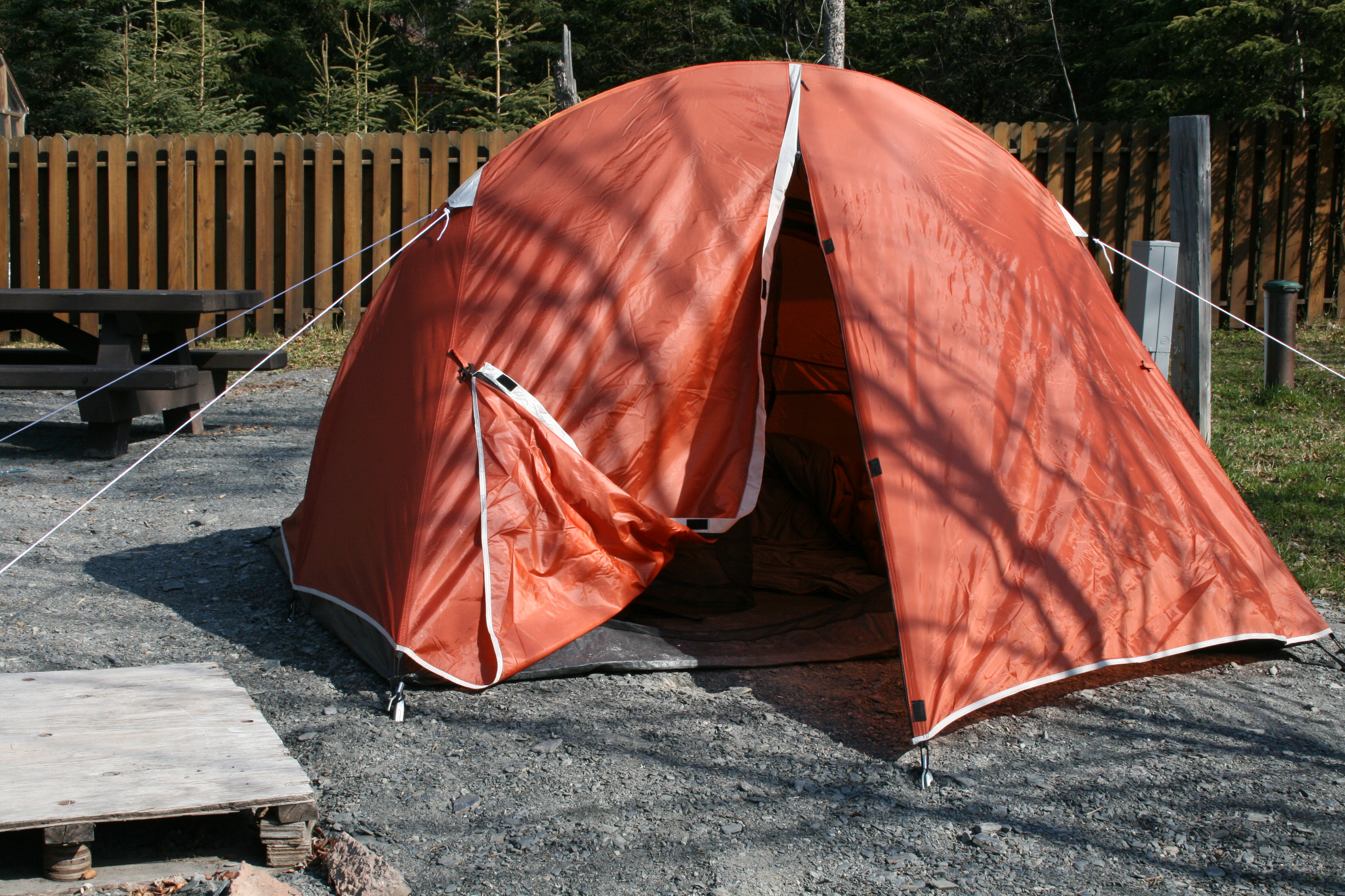 Employee Tent Housing~After & Nomad: Tent Living | yoyoliving